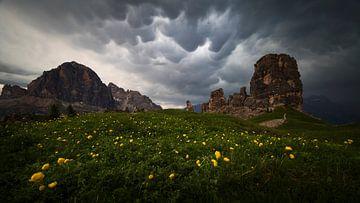 Storm in de Dolomieten van Sven Broeckx