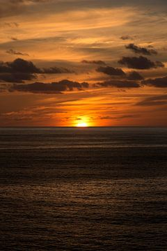 zonsondergang in de atlantische oceaan van Compuinfoto .