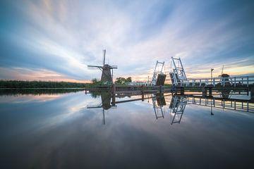 Kinderdijk reflektiert von Roelof Nijholt