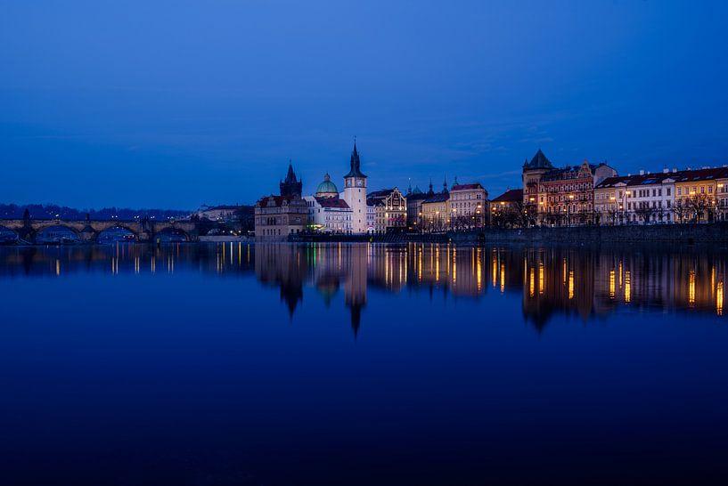 Avond in Praag van Ronne Vinkx