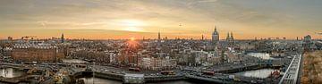 Amsterdam Center - Panorama Skyline when the sun goes down.... van