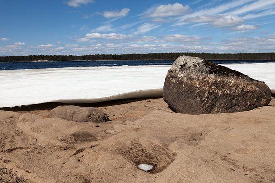 Een bevroren meer in Finland