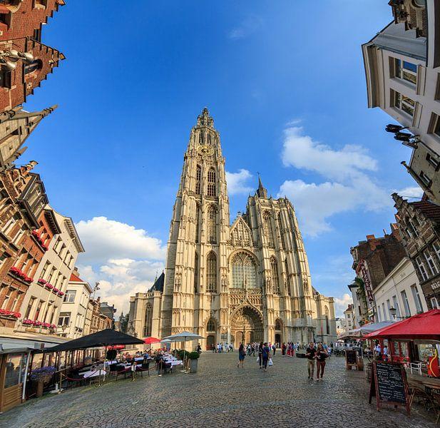 Onze-Lieve-Vrouwekathedraal Antwerpen groothoek van Dennis van de Water