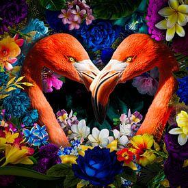 Flamingo in hartjes vorm tussen de bloemen van John van den Heuvel