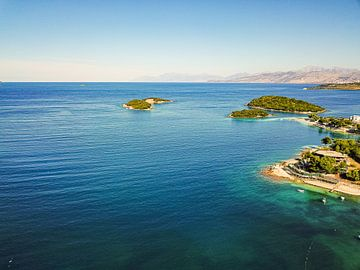 De Ksamil eiland in het zuiden van Albanië van Visiting The Dutch Countryside