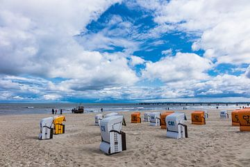 Am Strand in Ahlbeck auf der Insel Usedom von Rico Ködder