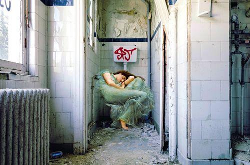 Sleeping Time Traveller  von Marja van den Hurk