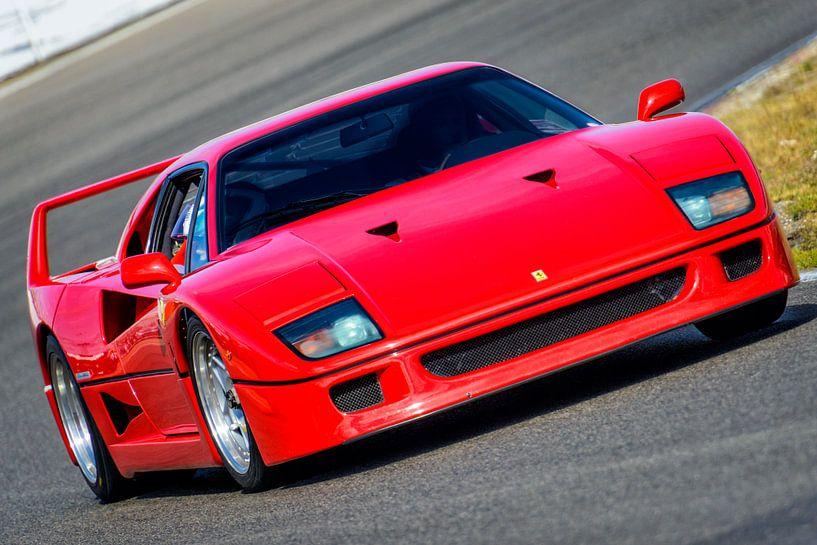 Ferrari F40 1980s sportwagen op het circuit van Sjoerd van der Wal