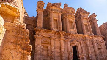 The Monastery in Petra (Jordanië) van Jessica Lokker