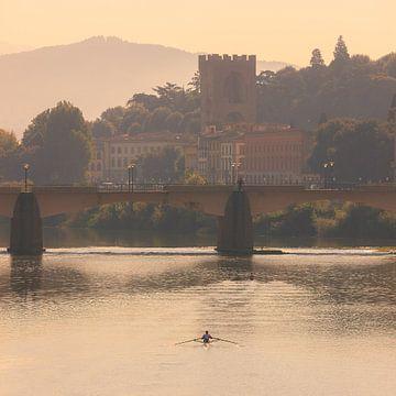 Ochtendlicht over de Arno river in Florence, Italië van Henk Meijer Photography