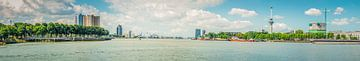 Rotterdam gezien vanaf Hotel New York. van Pieter de Kramer