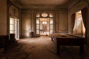 Verlassene Burg mit Atmosphäre. von Roman Robroek