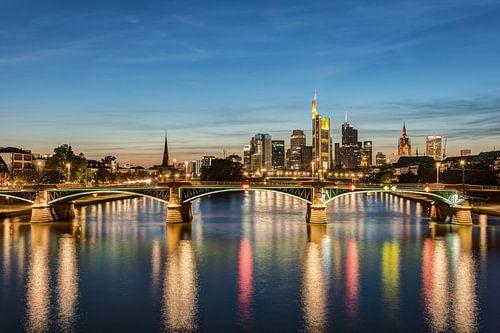 Frankfurt Skyline van Michael Valjak