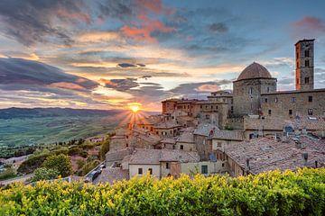 Volterra in Tuscany van Michael Valjak