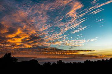 Afrikanischer Sonnenaufgang von Peter Leenen