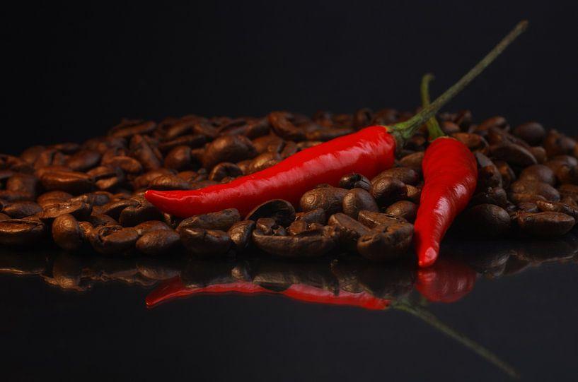 Hot Chili Coffee van Tanja Riedel