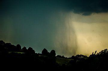 Regenachtige dag op mooi landschap van Patrick Dijkman
