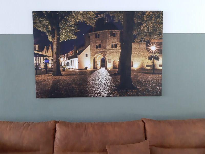 Klantfoto: De Vischpoort in Harderwijk. 30 sec. belicht. / The Vischpoort in Harderwijk, Holland. Exposed 30 se van Justin Sinner Pictures ( Fotograaf op Texel), op canvas