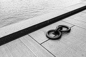 Ringe auf dem Kai (3) von Ronald Mallant
