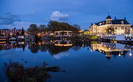 Prachtige weerspiegeling van de Rijksmunt in Utrecht von De Utrechtse Internet Courant (DUIC)
