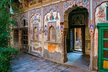 Schöne Wandmalerei in Mandawa (Indien) von Martijn Mureau