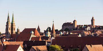Skyline mit der Kaiserburg in Nürnberg von Werner Dieterich
