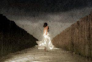 Lady in White van Jacqueline Lodder