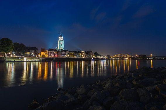 Deventer Skyline tijdens blauwe uur