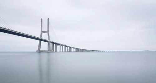 Vasco Da Gama Bridge, Portugal von Adelheid Smitt