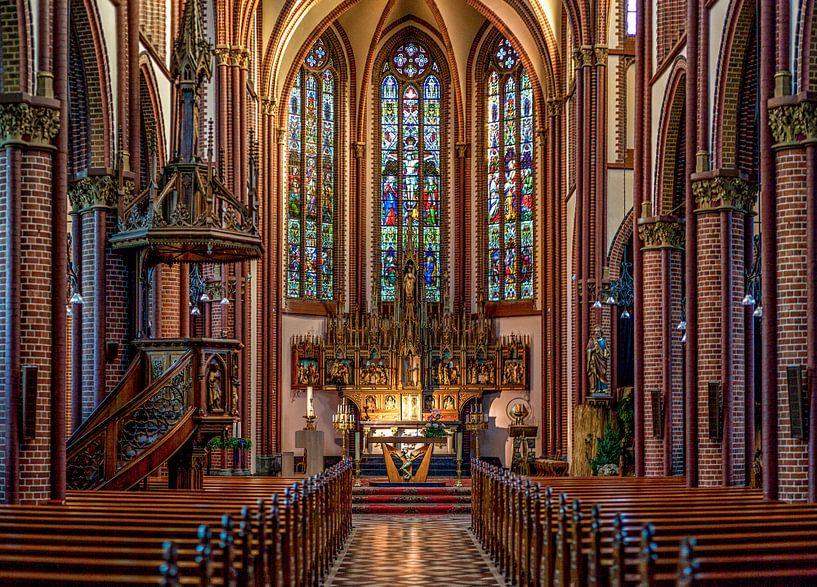 Interieur van de Sint- Pauluskerk in Vaals van John Kreukniet