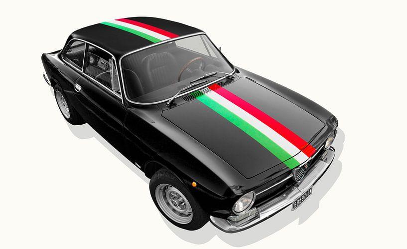 Alfa Romeo GT 1300 Junior met bandiera italiana van aRi F. Huber