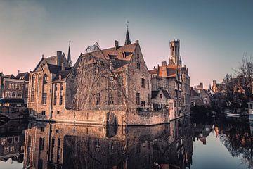 Der Rozenhoedkaai: Der berühmteste Platz von Brügge von Daan Duvillier