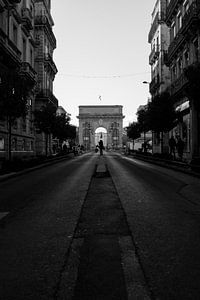 Sunset at the triumphal arch of Peyrou, Montpellier
