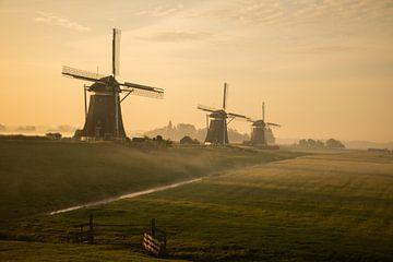 Zonsopkomst bij de drie molens van Kyra Hoekema