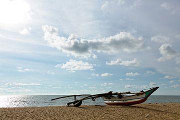 Vissersboot Sri Lanka von Gijs de Kruijf