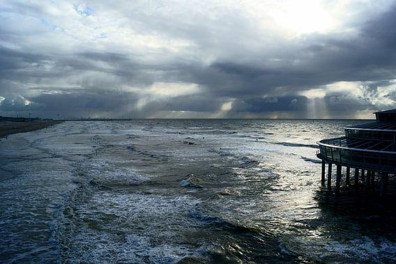 Noordzee en de Pier van Scheveningen van Michel van Kooten