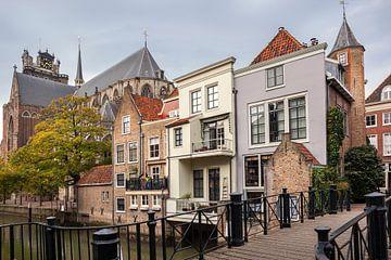 Pelserbrug und Grachtenhäuser entlang des Voorstraathaven in Dordrecht von Peter de Kievith Fotografie
