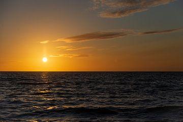 Sonnenuntergang Brouwersdam von Maurice van de Waarsenburg