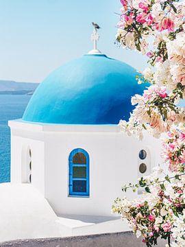 Een zonnige zomerdag in Oía op Santorini, Griekenland van Noé Pierre