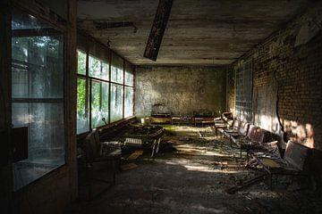 Chernobyl wachtkamer ziekenhuis #4 van Rene Kuipers