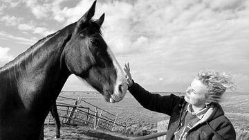 Het meisje en het paard. von Teun IJff