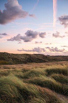 Zonsondergang in de duinen van Scheveningen van MICHEL WETTSTEIN
