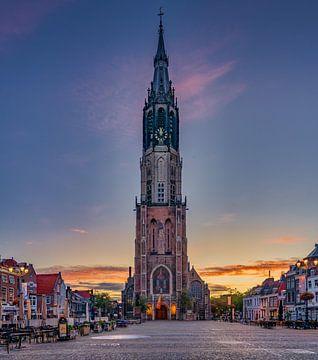 Delft - Nieuwe Kerk in ochtendgloren van Rene Siebring
