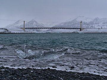 Hängebrücke am Jökulsárlón von Timon Schneider