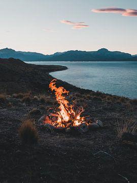 Feu de camp en Patagonie sur Leo van Gemmern
