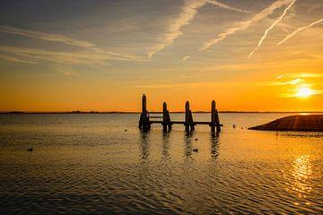 zonsondergang op het haringvliet sur Compuinfoto .