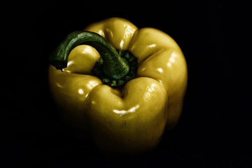 yellow bell pepper von Kristoff De Turck