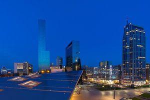 Rotterdam bij avondlicht