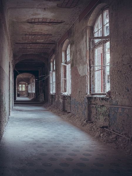 Verlaten plekken: lange gang von Olaf Kramer