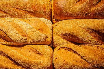 Vers gebakken brood uit de oven. van Jan van Dasler